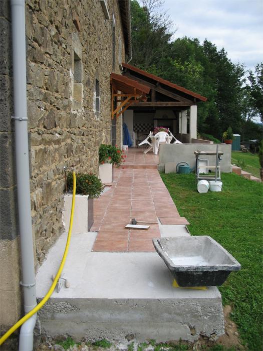 Finitions de la terrasse et des abords for Amenagement terrasse etroite
