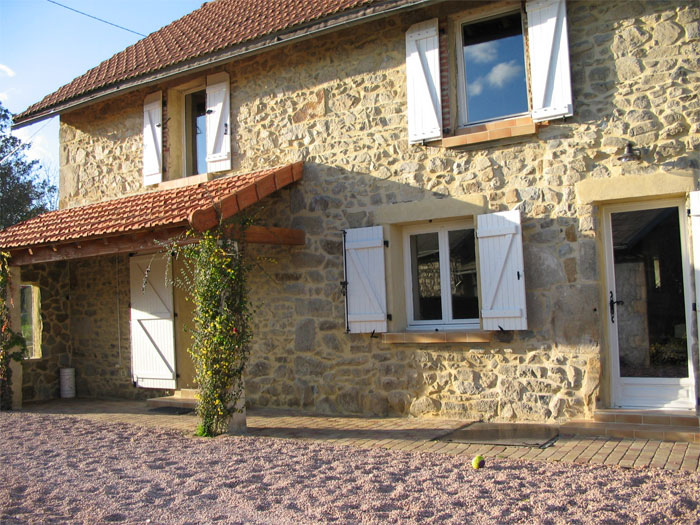 La r novation d 39 une maison en pierre for Maison facade en pierre